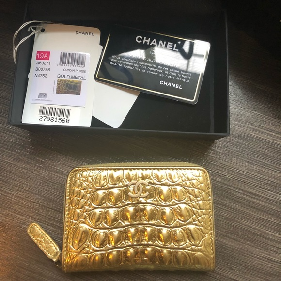 CHANEL Handbags - Chanel 19A Gold Croc Embossed Zipped O Coin Purse
